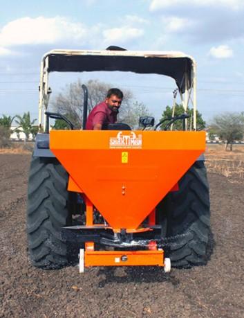 Distribuidor de fertilizantes 400 L - 14 m