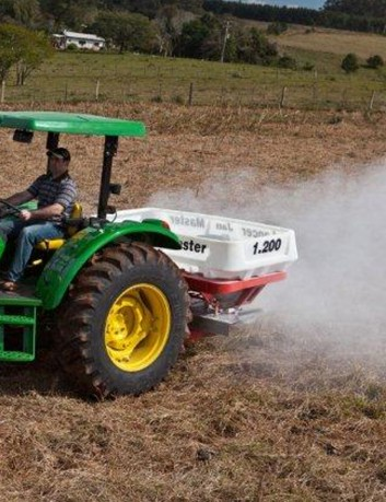 Distribuidor de fertilizantes Lancer Master 1200